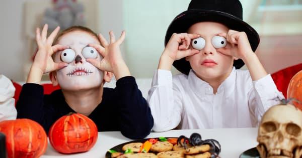 Devrions-nous Laisser Les Enfants « Passer L'Halloween »?