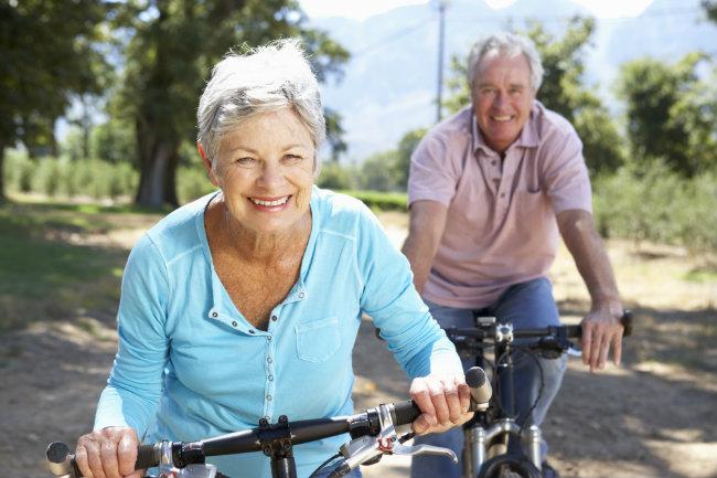 Rester actif et sans douleurs même à un âge plus avancé …