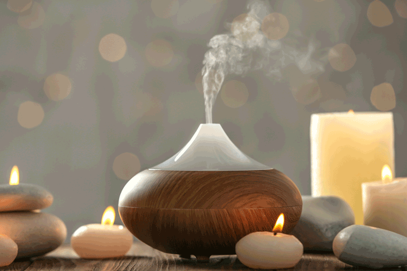 8 huiles essentielles à avoir à la maison - MonChiro.ca - Votre ...