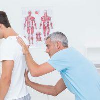 5 choses que votre chiropraticien peut savoir sur vous juste en regardant votre posture