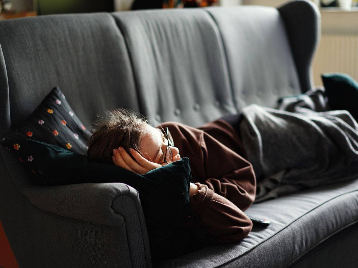 Votre Colonne Vertébrale Aussi Subit Les Effets De La Pandémie : 5 Impacts Et Leur Solution